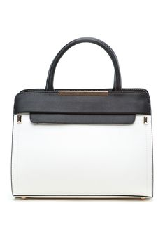 This Urban Sweetheart purse is the perfect combination of style and elegance