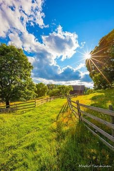 """""""We find only the world we look for."""" Thoreau journal entry - 1857 Country Farm, Country Life, Country Living, Country Roads, Beautiful World, Beautiful Places, Beautiful Pictures, Landscape Photography, Nature Photography"""