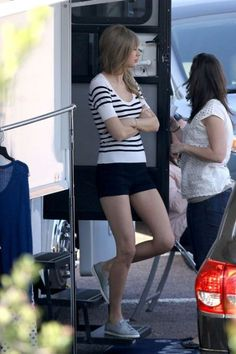 taylor swift casual style | Celebrity Fashion Trends & Style For 2013 (Part 1) | Random Story ...
