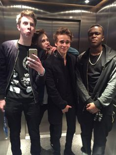 Calfreezy, Joe Weller, Joe Sugg, KSI (Idk how Weller and JJ are in the same elevator, maybe this was before the beef started between them (or not)) Joseph Sugg, Joe Weller, Sidemen Members, Buttercream Squad, Sugg Life, Little Boy Swag, Best Fish And Chips, Cute Youtubers
