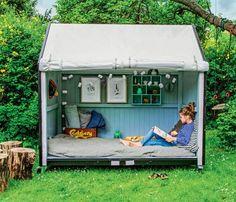 Se to børnefamiliers bud på den ultimative udendørs hyggekrog, og få ideer til at bygge en bønnetipi, et solsikkehus eller bare en hemmelig hule under træerne fyldt med tæpper og puder.