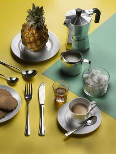 BRASILIA- Who said that cutlery can't be exotic? #Pintinox #posate #cutlery #everyday #miseenplace #Brasilia #Brazil #yellow #green #coffeetime #moka #pineapple