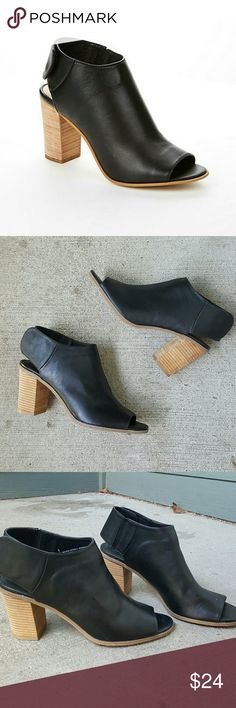 Mossimo black block heel peep toe heel Black block, chunky heels, sandals. Peep toe. Snap close around the ankle. Minor wear on bottoms. Brand is Mossimo, size 9. Black whith tan heel. Mossimo Supply Co Shoes Heels
