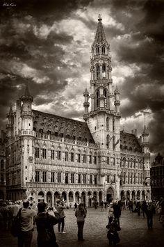 "500px / Photo ""The Grand Place in Brussels "" by Viktor Korostynski follow http://pinterest.com/ahaishopping/"