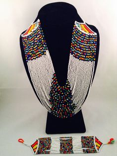 African Beads Necklace, Beaded Choker Necklace, African Jewelry, Bead Jewellery, Jewelry Art, Beaded Jewelry, African Accessories, Zulu, How To Make Beads