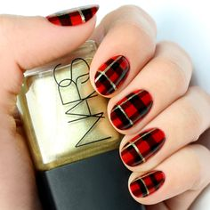 Mani+Monday:+Black+and+Red+Plaid+Print+Nail+Tutorial