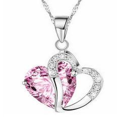 Sydänkaulakoru kahdella sydämellä – Pinkki  Korun tilaus- ja hintatiedot löytyvät osoitteesta: http://www.samaskoru.fi/tuote/sydan-kaulakoru-pinkilla-kristallilla/  #korut #kaulakoru #jewelry #necklace #fashion  www.samaskoru.fi