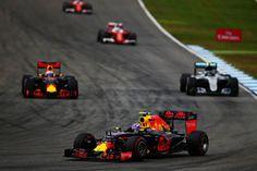 Daniel Ricciardo, Red Bull Racing RB12, Nico Rosberg, Mercedes AMG F1 W07 Hybrid…