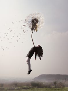 maia flore sleep elevation girl flying chicquero dundelion