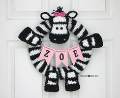 Crochet Zebra Wreath - Repeat Crafter Me
