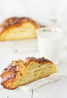 braid pastry with almond cream