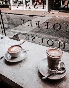 Having coffee with friends coffee in 2019 кофе, чашка кофе, кофейня. Coffee Date, Iced Coffee, Coffee Drinks, Coffee Shop, Coffee Cups, Cappuccino Coffee, But First Coffee, I Love Coffee, Coffee Break