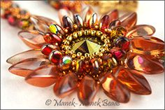 Free pattern from Manek Lady.  Free PDF download via dropbox.  Click on the picture.  #Seed #Bead #Tutorials