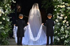 The Royal Wedding was certainly spectacular: from the tiara to the dress to the sermon, everything was just magical. However, there were a few sweet sentiments intertwined throughout the event. Did you spot them? #top5 #topfive #royal #royalwedding #meghanmarkle