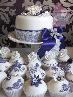 Linda decoração para festa, com azul e branco.