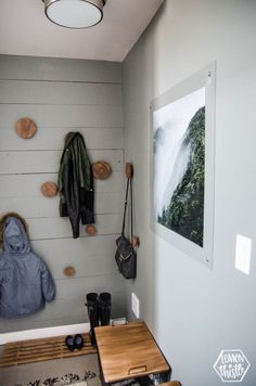 Mini Mud Room Makeover Making The Most Of A Split Level Hallway Decoratingentryway Decoryway Ideascool