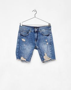 Bermuda denim Skinny Comfort con rotos Trendy Outfits, Cool Outfits, Patterned Jeans, Boys Jeans, Zara, Distressed Jeans, Shirt Style, What To Wear, Denim Shorts
