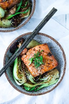 Salmon with Baby Bok Choy Sheet-Pan Teriyaki Salmon with Baby Bok Choy- a fast healthy dinner- perfect for busy weeknights! Salmon Recipes, Seafood Recipes, Asian Recipes, Fish Recipes, Cooking Recipes, Healthy Recipes, Baby Bock Choy Recipes, Fast Healthy Dinners, Bok Choy Recipes