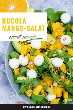 Rucola-Mango-Salat mit Pinienkernen, Avocado und Orangendressing Fruity rocket and mango salad with avocado, mozzarella and pine nuts – a healthy summer salad Mango Salat, Avocado Salat, Summer Grilling Recipes, Summer Recipes, Healthy Nutrition, Healthy Eating, Mozzarella, Salad Recipes, Healthy Recipes