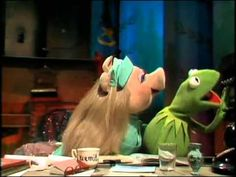 The Muppet Show Compilations - Episode 20: Miss Piggy's Karate Chops (Se...