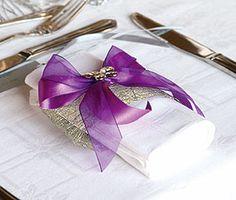 La Bobine de Sinamay Maille Naturelle Pailletée. Décorez votre évènement grâce à mariage.fr, numéro 1 des boutiques de décoration mariage en France. décoration mariage, decor mariage, wedding, violet, purple
