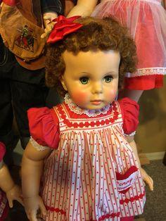 Marla's dolls Penny Playpal Non EL Sculpt Antique Dolls, Vintage Dolls, Ideal Toys, Beautiful Dolls, Sculpting, Funny Memes, Flower Girl Dresses, Play, Friends
