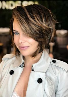 Choppy bob haircuts will give your face a total transformation and a unique look . These are tested and proven bob hairstyles this year. Choppy Bob Haircuts, Girls Short Haircuts, Short Layered Haircuts, Haircuts For Fine Hair, Hairstyles Haircuts, Short Hair Cuts, Short Hair For Girls, Asian Hairstyles, Pixie Cuts