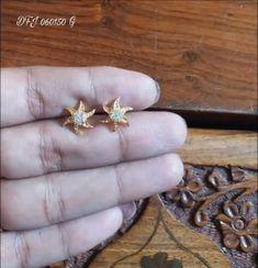 New Light Weight Daily Wear Gold Earrings Designs - Kurti Blouse Gold Earrings Designs, Gold Diamond Earrings, Gold Jewellery Design, Gold Jewelry, Gold Designs, Diamond Rings, Kids Earrings, Small Earrings, Kids Jewelry