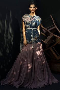 haute couture fashion Archives - Best Fashion Tips Beautiful Pakistani Dresses, Pakistani Dress Design, Dress Indian Style, Indian Dresses, Indian Wedding Outfits, Indian Outfits, Indian Designer Outfits, Designer Dresses, Latest Bridal Dresses