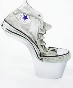 Sneakers or high heels? Make a combination! #shoelovin #schoenen #demensenzijnschoen #peopleandtheirshoes #happyfeet #schoen #schuhe #shoegasm #schuhemachenglücklich #highheels #feet #shoesoftheday #shoeaddict  #specialshoes #whatsonmyfeet #iloveshoes #shoelovers #shoeshine #shoeporn #shoestyle #instashoes #shoeselfie #people #sneaker #highheels #converse #allstars
