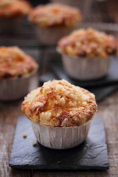 Muffins cu afine, reteta delicioasa si rapida pentru micul dejun. Reteta simpla muffins cu afine. Preparare si ingrediente topping streusel pentru muffins.