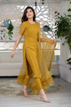 Party Wear Indian Dresses, Pakistani Dresses Casual, Designer Party Wear Dresses, Indian Bridal Outfits, Kurti Designs Party Wear, Dress Indian Style, Pakistani Dress Design, Silk Kurti Designs, Salwar Suits Party Wear