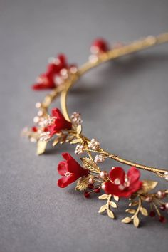 HARVEST red gold wedding crown red flowers and gold leaves / vines tiara Gold Wedding Crowns, Headpiece Wedding, Bridal Headpieces, Wedding Veils, Wedding Card, Wedding Table, Cute Jewelry, Hair Jewelry, Wedding Jewelry