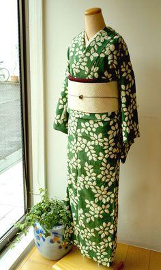 【袷】深緑色葉柄絞り小紋と七宝文様アイボリー地名古屋帯 #kimono #着物 | ちぇらうなぼるた雑記帳