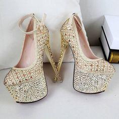 Inspiración en Tacones Altos High heels #highheels #tacones #fashion #moda #fashionwomen #mujeres #tendencias