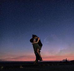 Hey lief!  ik mis je  je warmte  je liefde  je armen  je lippen  alles eigenlijk  tijd gaat snel hier, maar het misgevoel word steeds meer.. Ik hou van je Ma'dam ☺️ tot de maan en weer terug ♥️