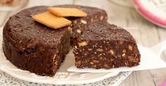 La torta salame di cioccolato è un dolce senza cottura favoloso che si prepara senza in pochi minuti e senza uova, è di una golosità unica!