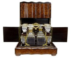 19TH CENTURY BURR WALNUT TANTALUS DECANTER BOX WITH GLASSES (France)