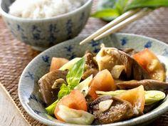 Gemüse-Austernpilzpfanne ist ein Rezept mit frischen Zutaten aus der Kategorie Gemüse. Probieren Sie dieses und weitere Rezepte von EAT SMARTER!