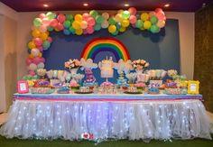 Festa Unicórnio, arco-íris e nuvens - decoração de festa infantil com tema Unicornio, arco-iris e nuvens em uma festa toda fofa