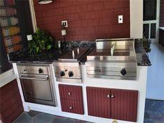Outdoors kitchen