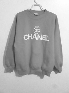 chill by chanel Mode Outfits, Outfits For Teens, Fashion Outfits, Sweatshirt Outfit, Shirt Designs, Trendy Hoodies, Cute Casual Outfits, Coco Chanel, Swagg