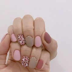 Pin by yum Kim on 네일 in 2019 Edgy Nails, Classy Nails, Bling Nails, Simple Nails, Swag Nails, Grunge Nails, Dream Nails, Love Nails, Summer Gel Nails