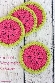 Crochet Watermelon Coasters! Perfect for summertime! Free crochet coaster pattern!