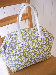 Bag with an Aluminum Spring Clasp | kokka-fabric.com/en