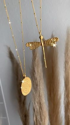 Gold Temple Jewellery, Gold Jewellery Design, Gold Jewelry, Jewelry Accessories, Cute Necklace, Gold Necklace, Cute Jewelry, Unique Jewelry, Gold Chain Design