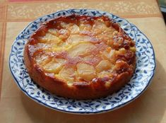 Recipe - Apple cake with caramel sauce and salted butter video - Gateau pomme caramel - gateaux et desserts Easy Blueberry Desserts, Apple Desserts, Apple Recipes, Easy Desserts, Cake Recipes, Dessert Recipes, Apple Butter, Salted Butter, Portuguese Recipes