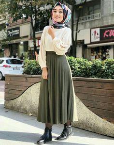 Turkish Fashion, Islamic Fashion, Muslim Fashion, Modest Fashion, Skirt Fashion, Fashion Outfits, Womens Fashion, Modest Dresses, Modest Outfits