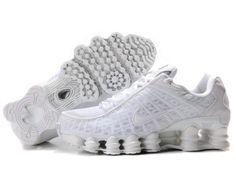 La zapatillas nike shox mujer utiliza una unidad de amortiguacin de aire grande en el taln que es visible desde el lado de la entresuela en la mayora de los modelos.Todas las zapatillas nike shox baratos son originales y directamente desde la fbrica. Todos zapatillas nike shox, la mujer, zapatos de los nios son 30-70% de descuento y envo gratis