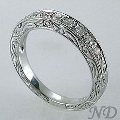 i love flat rings like this! if i ever get married, i would want a ring like this.
